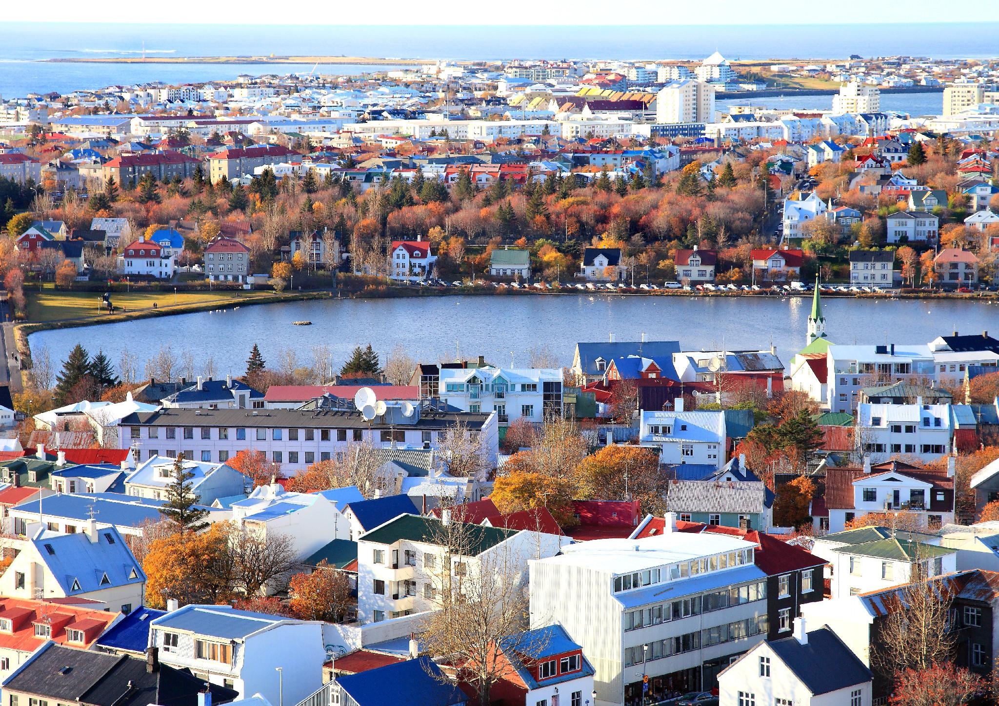 reykjavik centre ville l 39 islande. Black Bedroom Furniture Sets. Home Design Ideas